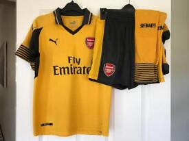 Arsenal Football Kit, Complete Away Kit Age 10-11, Excellent Condition