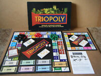 """""""TRIOPOLY"""" 3D game of buying ,selling & trading properties. From 1997. Complete."""