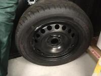 Car tyre and wheel