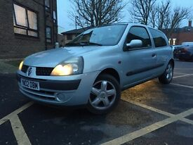 RENAULT CLIO 1.2 2002) LOOKS AND DRIVES GREAT