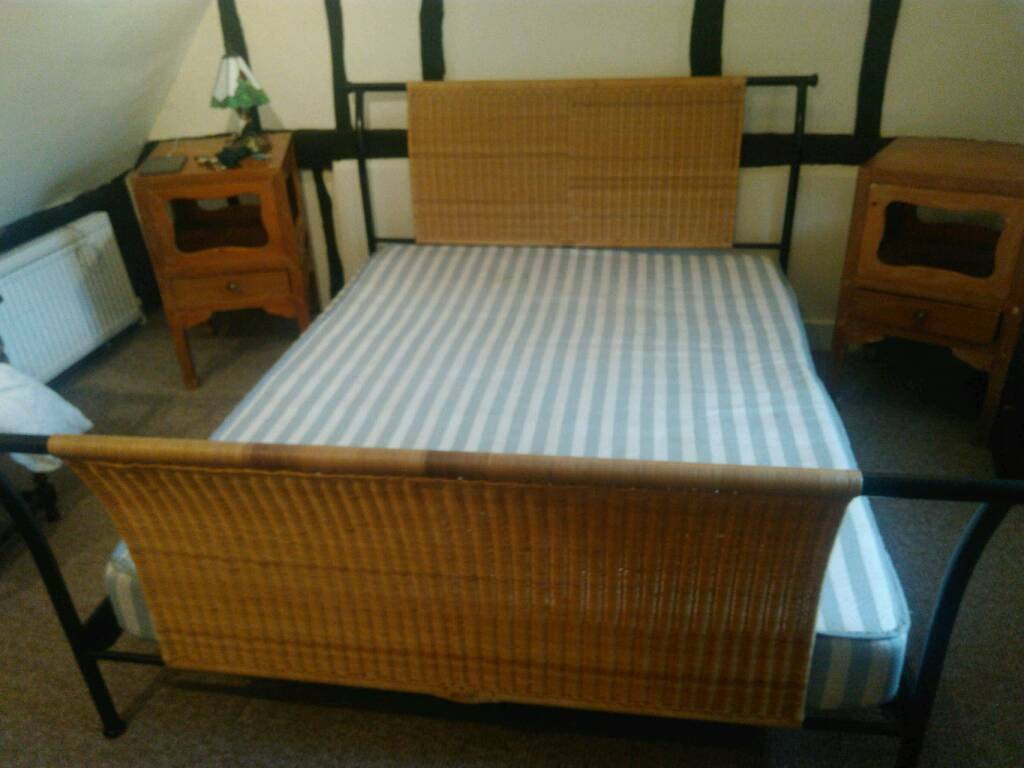 Bed: 5 ft wide Ikea