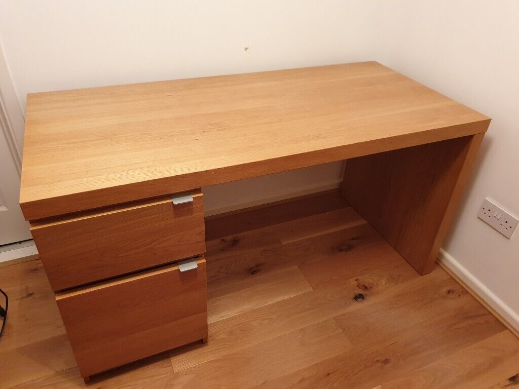 Free Oak effect desk in great condition.  in Lower Earley