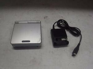 Nintendo Gameboy Advance SP Silver. We Buy and Sell Used Video Games and Consoles. 114603