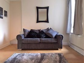 LOVELY 5 BEDROOM HOUSESHARE AVAILABLE WITH ALL BILLS INCLUDED