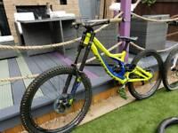 Specialised demo 8 downhill bike