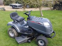 Ride on mower Mountfield 38 inch cut little used mower almost like new with mulching deckk