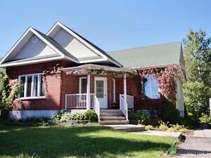 259 000$ - Bungalow à vendre à Mont-Laurier