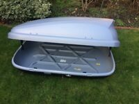 Halfords roof box 300l