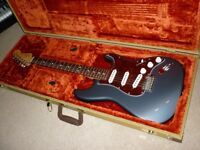 ** USA FENDER STRAT / STRATOCASTER - grey pewter / stunning / with tweed case **