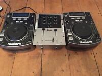 Numark NDX 200 cdj's and mixer