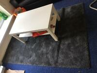 sell table and carpet