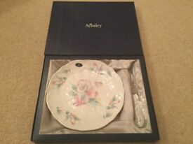 Aynsley Plate with Cheese Knife NEW