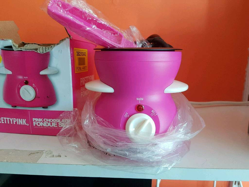 Pretty Pink Chocolate Fondue New In Kingswood East Yorkshire Gumtree