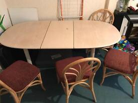 Extensible Table and 4 chairs