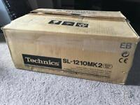 BRAND NEW Technics SL-1210MK2 Turntable BRAND NEW BOXED NEVER TAKEN OUT