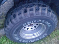 33/12.50/15 GT Adventuro Mud Terrain 2x wheels Hilux Surf Frontera L200