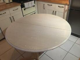 Dining table - extendable round
