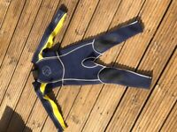 Child's wetsuit size 2XS (age 6 approx)