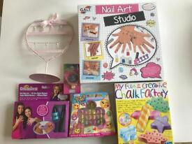Gifts for girls, activities and jewelry stand