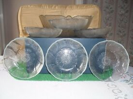 1 large fruit bowl and six dishes good condition boxed
