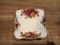 Royal Albert Old Country Roses Bone China Trinket Dish (1962)