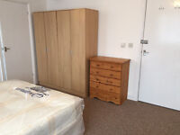 WOW £849pm!Brand new large studio flat with ensuite shower room. Great location-8 mins to tube.