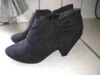 LADIES ANKLE BOOTS, SIZE 7, DOROTHY PERKINS - NEW.