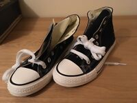 Brand New Converse Shoes Size 4.5
