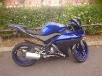 2014 Yamaha yzf125r Blue
