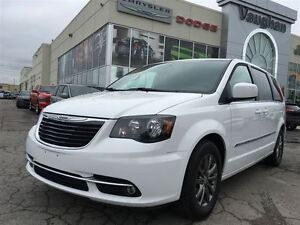 2015 Chrysler Town & Country S - LEATHER - BLUE RAY DVD'S X2 - N