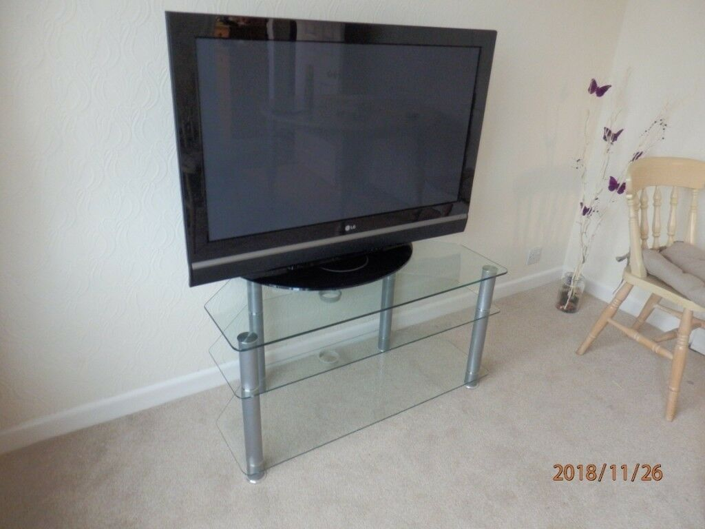 Lg Plasma 42 Inch Tv Stand Full Working Order With Remote Control Of Display