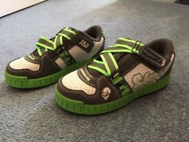 Junior Green and White Sketchers SKX shoes Brand new with box! Size UK 13.5