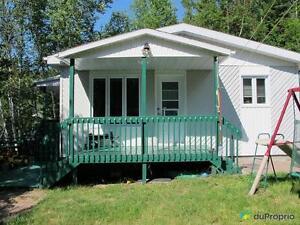 229 000$ - Chalet à vendre à St-David-de-Falardeau Saguenay Saguenay-Lac-Saint-Jean image 4