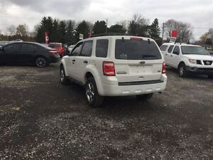 2010 Ford Escape XLT 4WD -  Managers Special London Ontario image 3