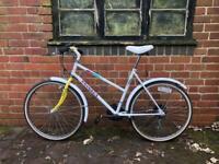 Vintage Ladies Peugeot Town/City Bike