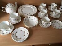 Duchess bone china dinner set
