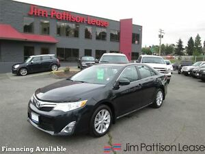 2013 Toyota Camry XLE V6 w/nav, leather, roof