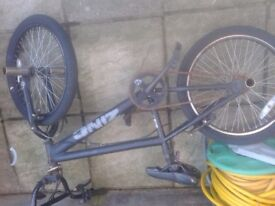 BOYS STUNT BMX NEEDS TLC, INC GOOD WHEELS TYRES AND STUNT PEGS,CAN DELIVER
