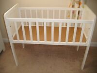 HARDLY USED Excellent Condition Mothercare White Wooden Hyde Crib RRP £40