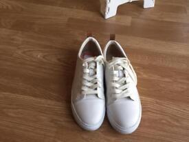 Women's Clarks shoe -size 6