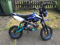 Road legal 125cc pitbike