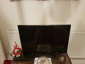 32 i ch tv for sale completely working