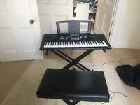 Electronic Keyboard - Yamaha YPT-200