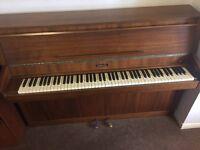 Upright piano - Baldwin