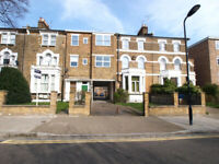 A conviniently located 1 bedroom located on Queens Drive walking distance to Clissold Park