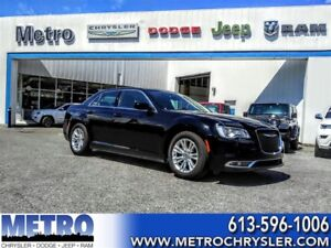 2016 Chrysler 300 Touring FULLY LOADED & LOW MILEAGE