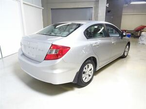 2012 Honda Civic Sedan LX at West Island Greater Montréal image 4