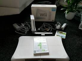 Nintendo wiii and wii fit board