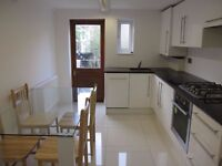 MUST BE SEEN!!!!! = SPACIOUS 4 BED GARDEN FLAT WITH 3 BATHROOMS CLOSE TO ARCHWAY TUBE STATION N19