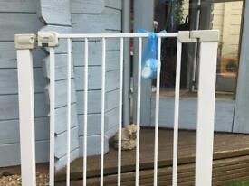 Safety 1st U Pressure Easy close metal stair gate.